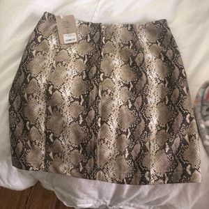 Snakeskin bodycon mini skirt